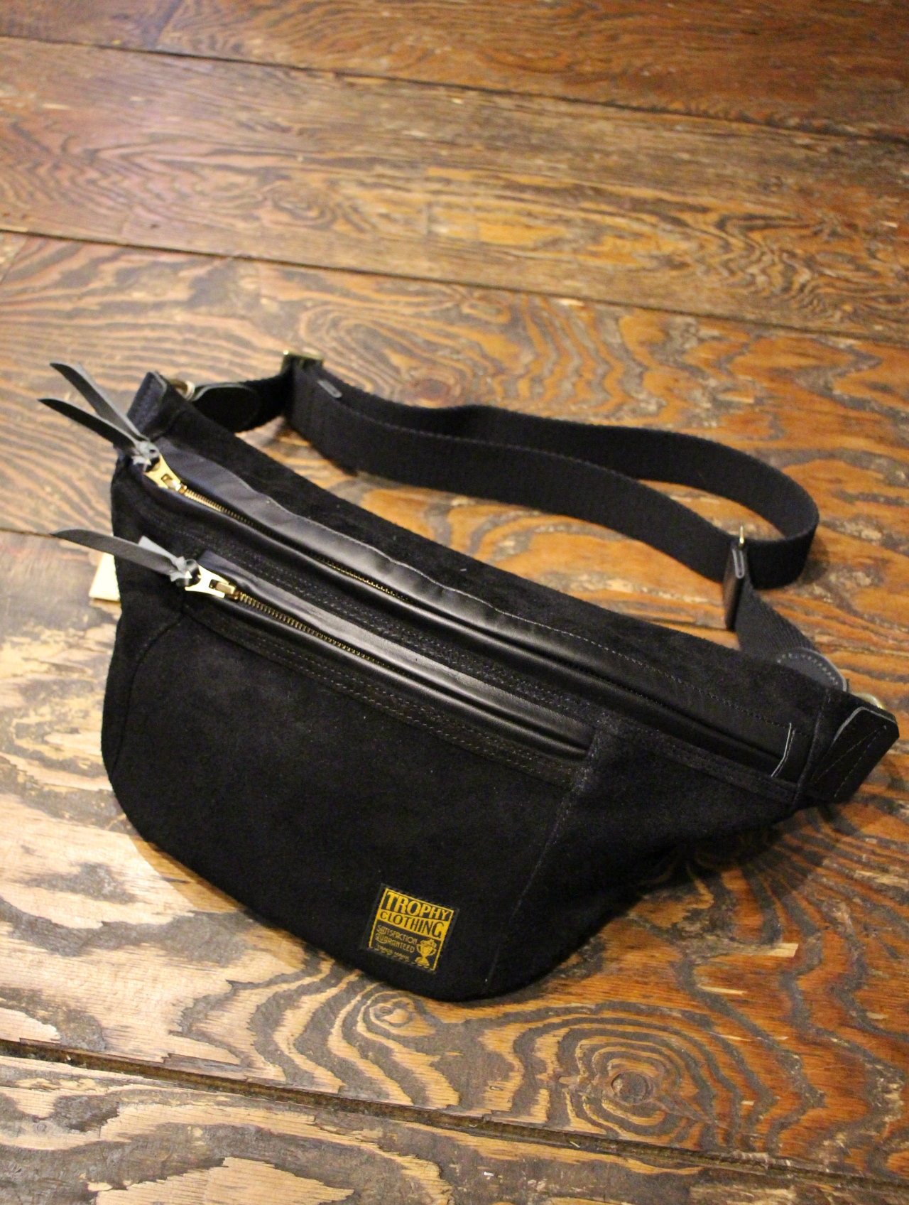 TROPHY CLOTHING  「Day Trip Suede Bag」  ショルダーバッグ