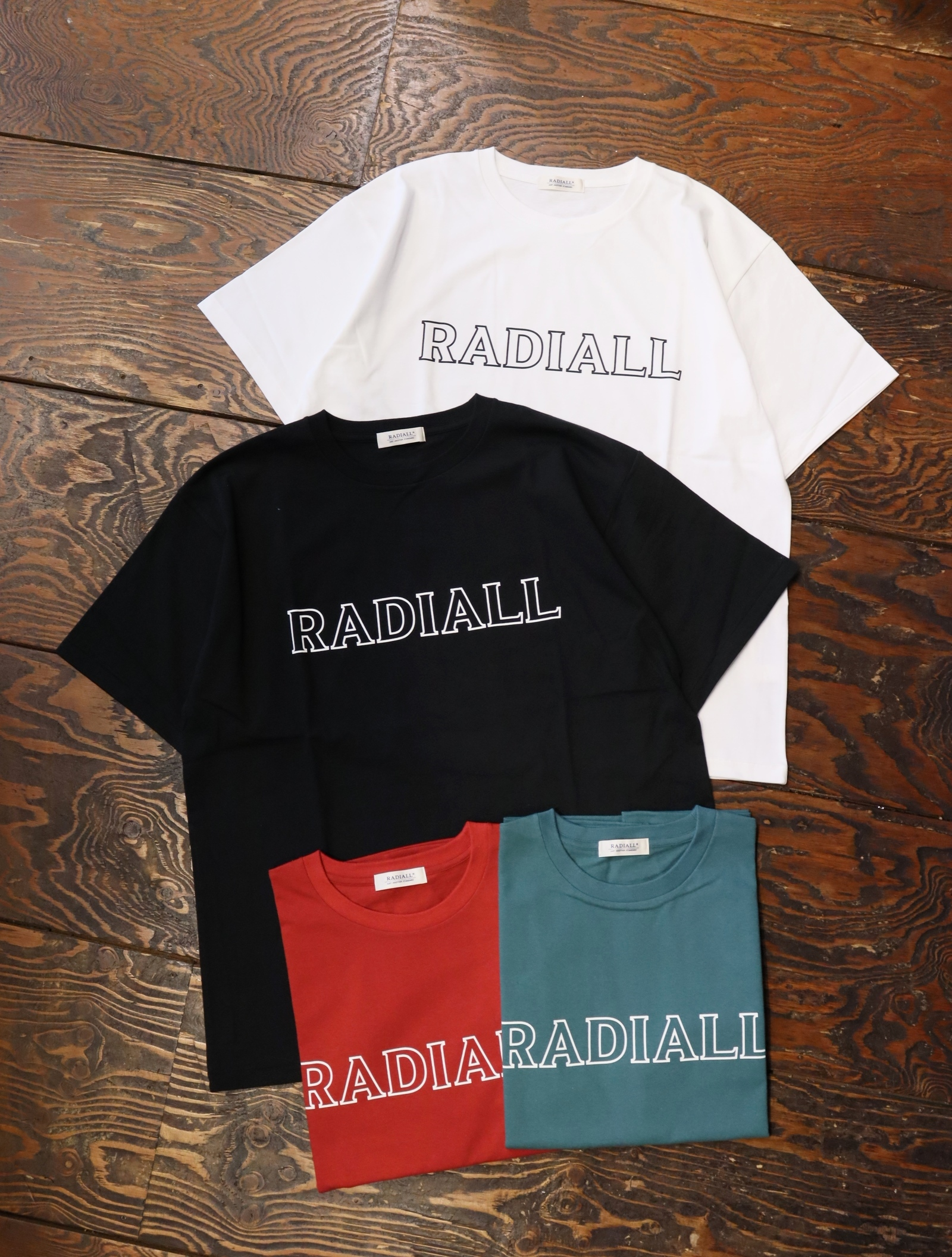 RADIALL  「OUTLINE - CREW NECK T-SHIRT S/S」  プリントティーシャツ