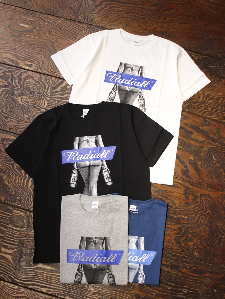 RADIALL    「FOURTY OZ LADY - CREW NECK T-SHIRT S/S」 プリントティーシャツ