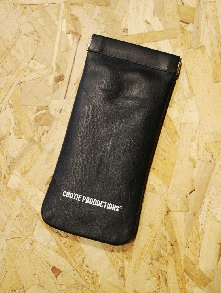 COOTIE   「Leather Clasp Glasses Case」  レザーグラッシーズケース