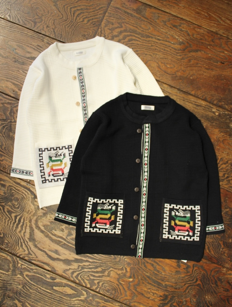 RADIALL  「COSMIC GIPSY - NO COLLARED SWEATER M/S」  ノーカラーニットセーター