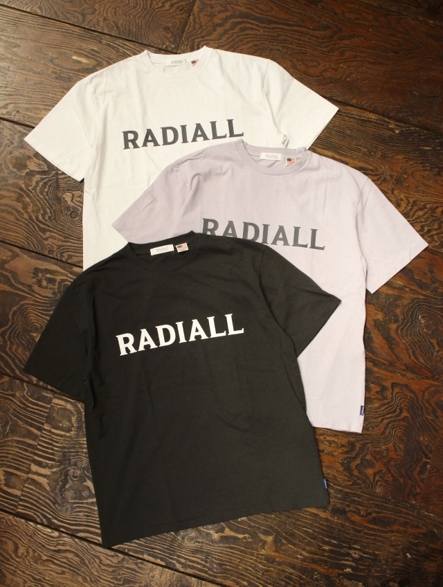 RADIALL    「LOGO TYPE - CREW NECK T-SHIRT S/S」 プリントティーシャツ