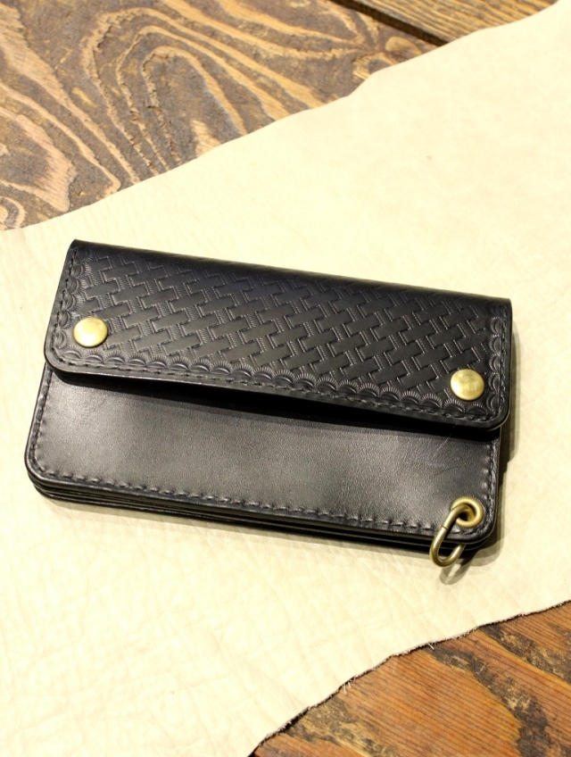 DEXTER 「 Embossing Leather Tracker Wallet 」  トラッカーウォレット