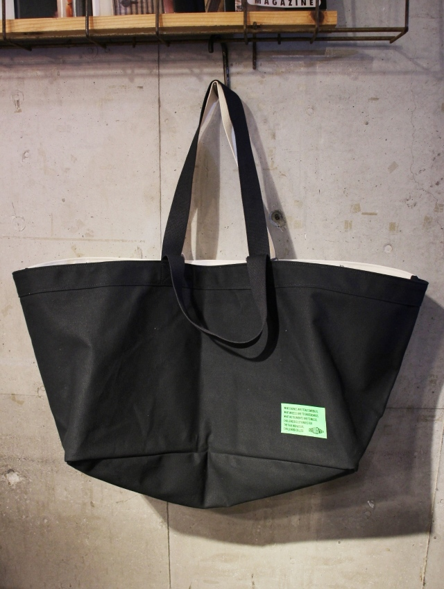 CHALLENGER  × BLK PINE  「 CHILLING TOTE BAG 」  トートバッグ