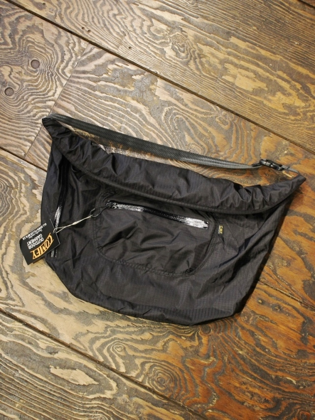 COMFY OUTDOOR GARMENT   「UL ROLL BAG」 ロールバッグ
