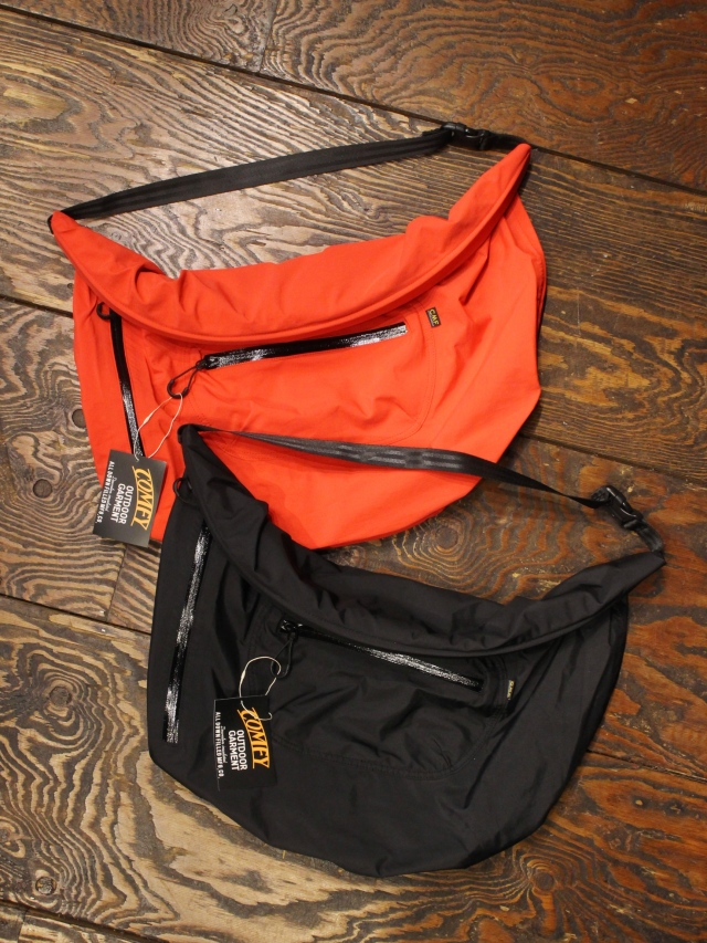 COMFY OUTDOOR GARMENT   「3LAY ROLL BAG」 ロールバッグ