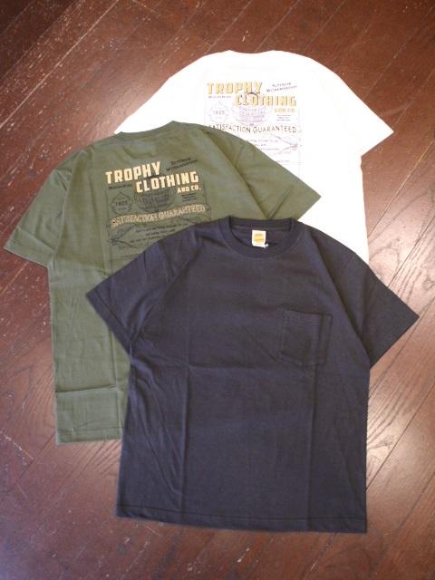 TROPHY CLOTHING  「 Sears Pocket Tee 」  プリントポケットティーシャツ