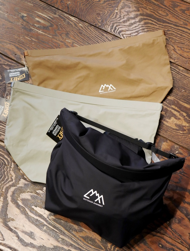 COMFY OUTDOOR GARMENT   「CMF NEW ROLL BAG」 ロールバッグ