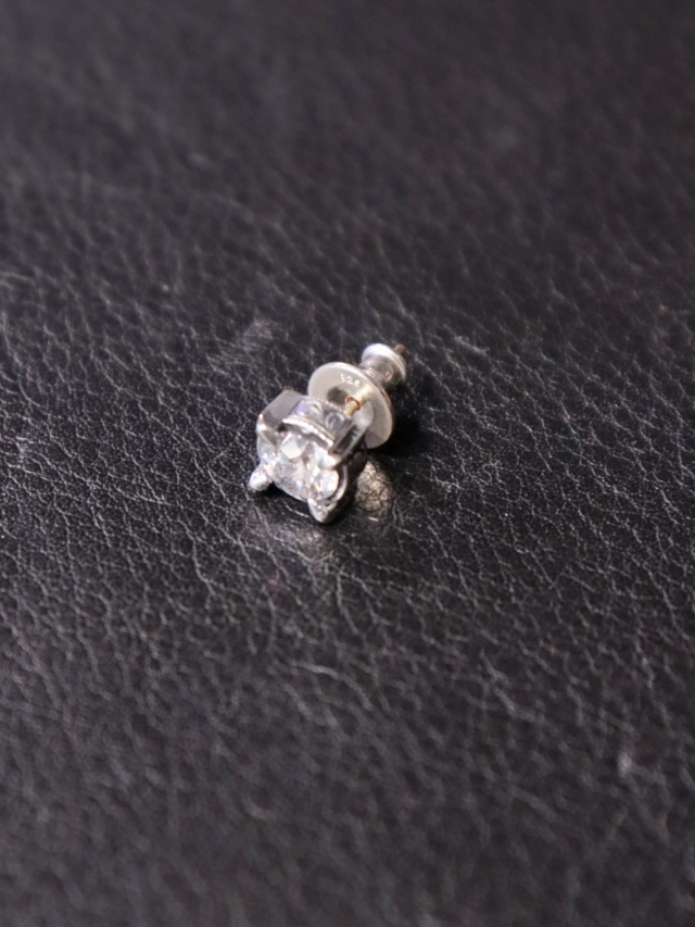 ANTIDOTE BUYERS CLUB  「Engraved Cut Stone Earring」  SILVER950製 ピアス