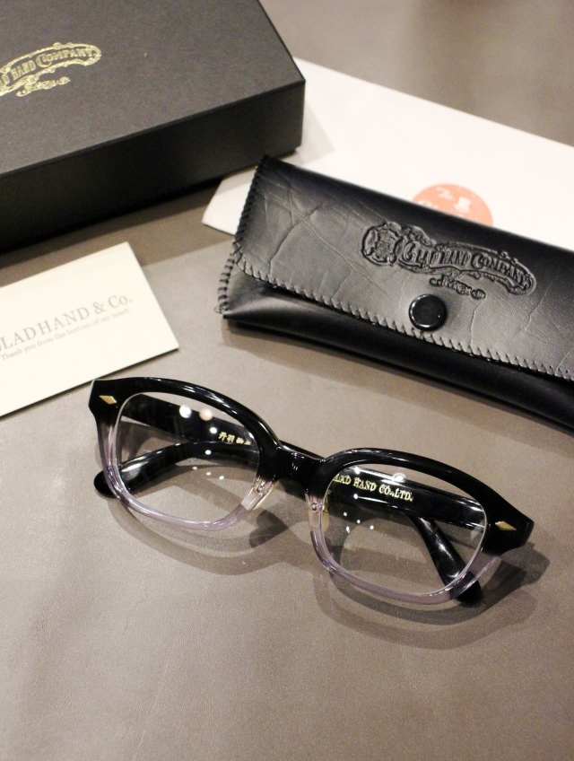 GLADHAND × 丹羽雅彦  「J-IMMY GLASSES ORNAMENT 〈BLACK × CLEAR / GOLD〉」  グラッシーズ