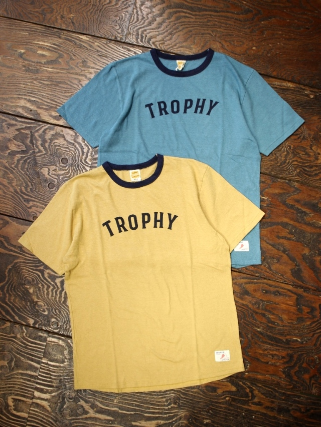 TROPHY CLOTHING  「Classic Athletic Tee」 プリントティーシャツ