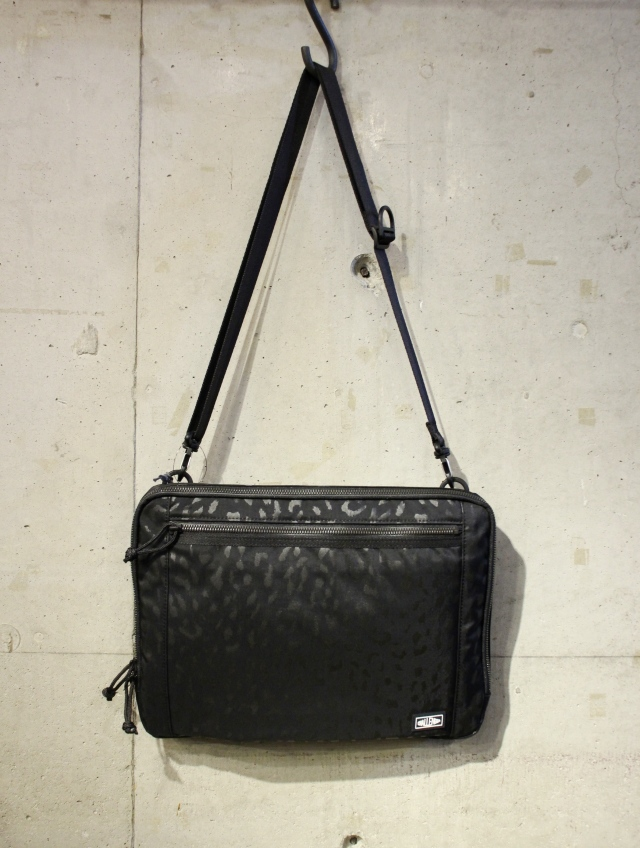 CHALLENGER   「EASY SHOULDER BAG」 ショルダーバッグ