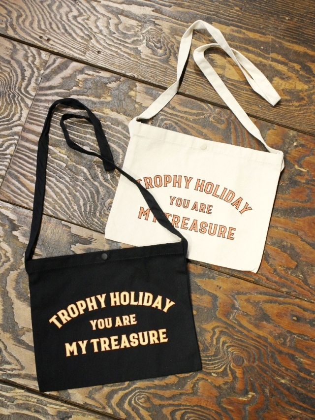 "TROPHY CLOTHING  「""HOLIDAY"" Treasure Sacoche Bag 」  サコッシュ"
