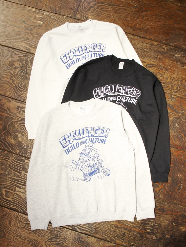 CHALLENGER  「×SKETCH RUSHING RIDER SWEAT」 クルーネックスウェット