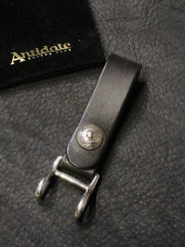 ANTIDOTE BUYERS CLUB   「 Classic Key Bak (Smooth Leather) 」 キーバック