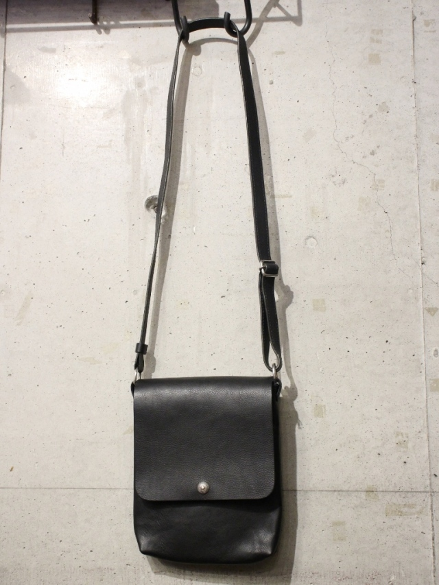 ANTIDOTE BUYERS CLUB   「Leather Shoulder Bag」 レザーショルダーバッグ