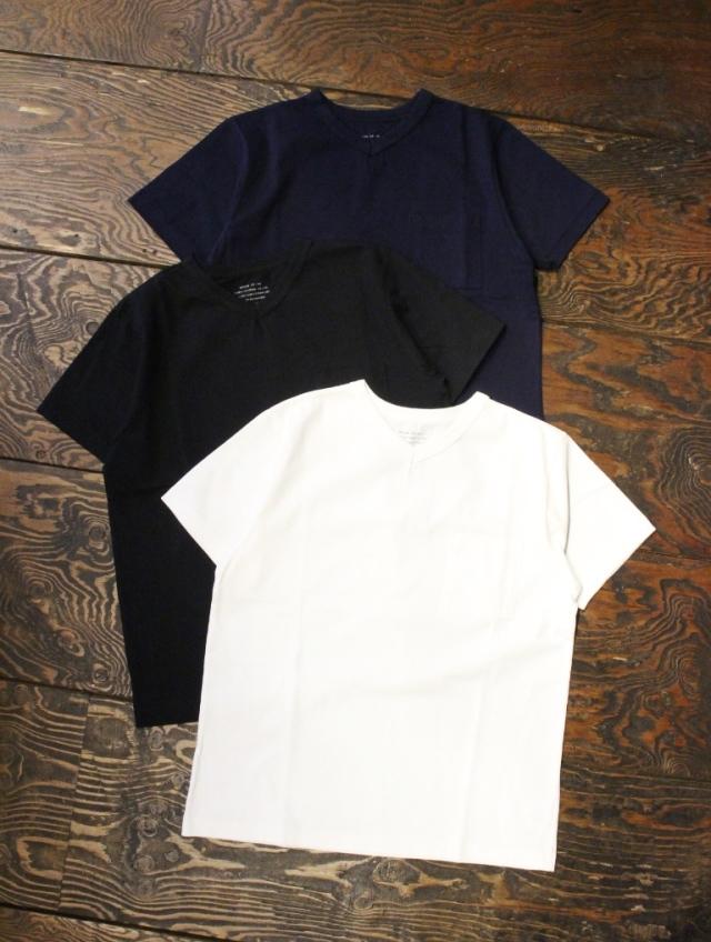 TROPHY CLOTHING  「Open End V Neck Tee」 Vネック ポケットティーシャツ