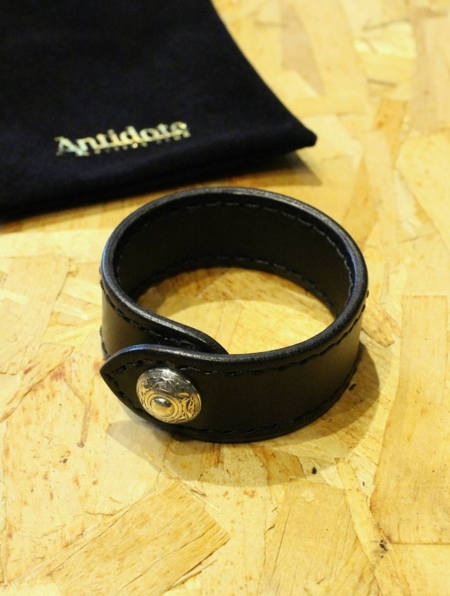 ANTIDOTE BUYERS CLUB by Cootie Productions  「 Leather Wristband 」 レザーリストバンド