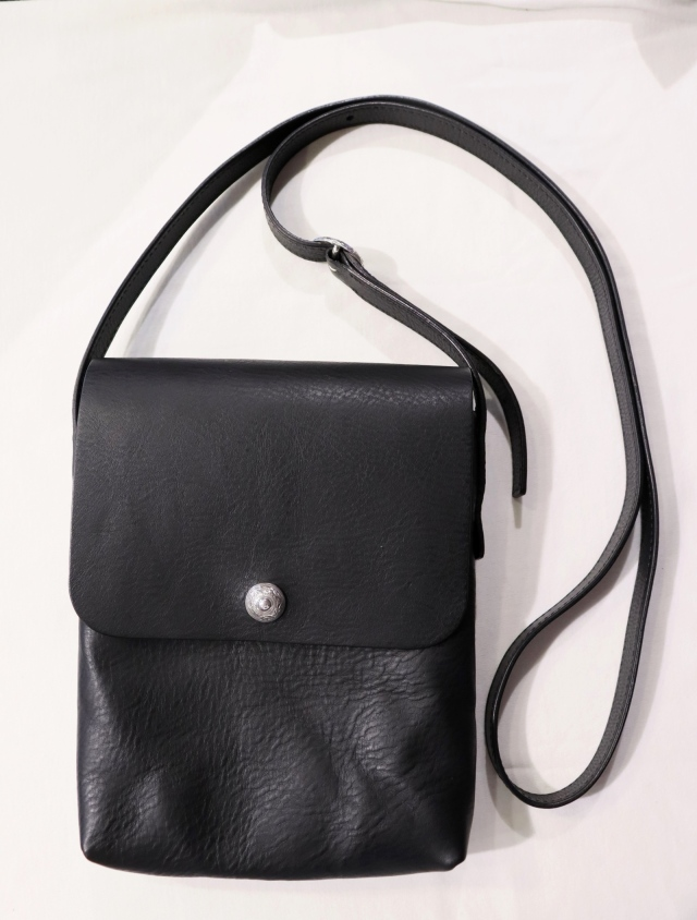ANTIDOTE BUYERS CLUB  「Leather Compact Shoulder Bag」  レザーショルダーバッグ