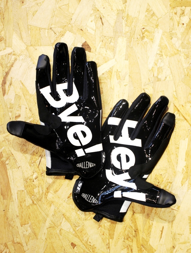 CHALLENGER   「REFLECTED SIGNAL GLOVE」 シグナルグローブ