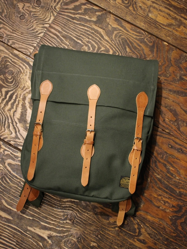 TROPHY CLOTHING  「Oiled Duck Timber Bag」  オイルドダック ティンバーバッグ