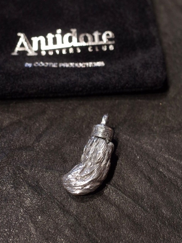ANTIDOTE BUYERS CLUB by Cootie Productions   「Lucky Rabbit Foot Pendant」 SILVER950製 ペンダントトップ