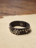 DEXTER  「Flower Pattern  Studs Leather Bracelet 」  レザーブレスレット
