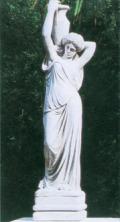 水を汲む乙女 像