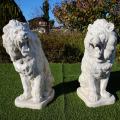 ライオン 石像