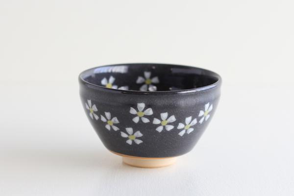 小茶碗 花ちらし 黒