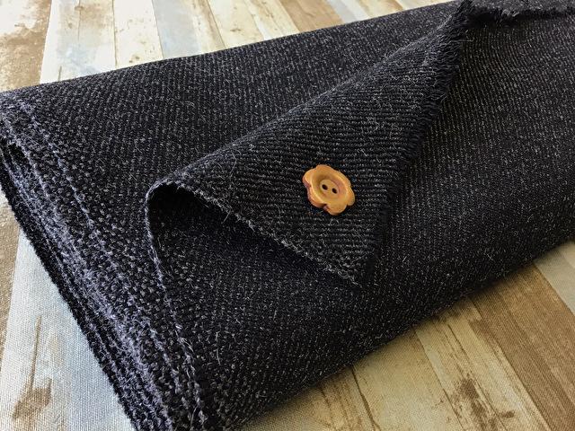 【反売り】ウール綾織りラメ風 ブラック系[ 幅150cm×約2m巻 ]