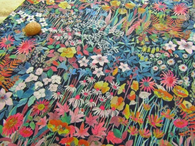 LIBERTY タナローン *2018 秋冬柄*≪Faria Flowers Small≫(ファリア・フラワーズ・スモール) 【黒地】3638246-TD-18BT