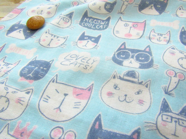 【約55cm幅×約50cmカット*ミニカットクロス】『MEOW!COOL CAT( ニャー!クールキャット )』ライトブルー【ふんわり ダブルガーゼプリント】