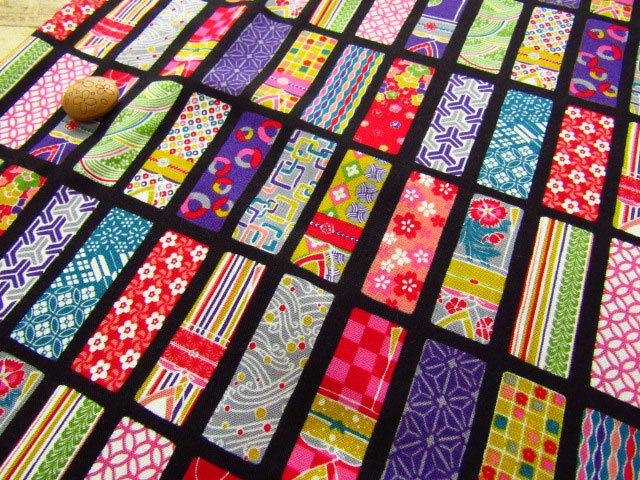 【約53cm幅×約50cmカット*ミニカットクロス】『Colorful 和 Japan 『 着物 』』くろ【コットン スケアプリント】