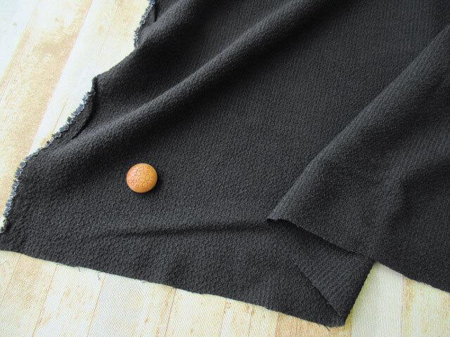 アウトレット! 薄手ウール混ちぢみ風生地 ブラック系 約1.5cmカット