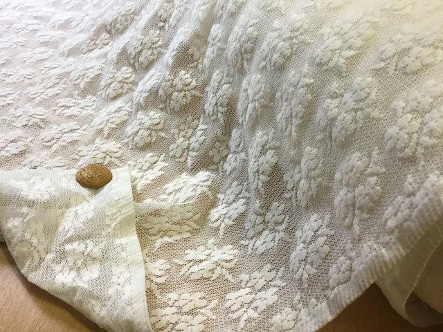 【反売り】ストレッチチュール フラワー柄 オフホワイト [ 幅90cm×約12m巻 ]