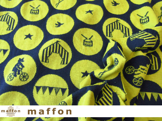 【 maffon (マフォン) 】 約75cm幅 リバーシブルジャガード接結ニット 『 サーカス柄 』 ネイビー/青りんご