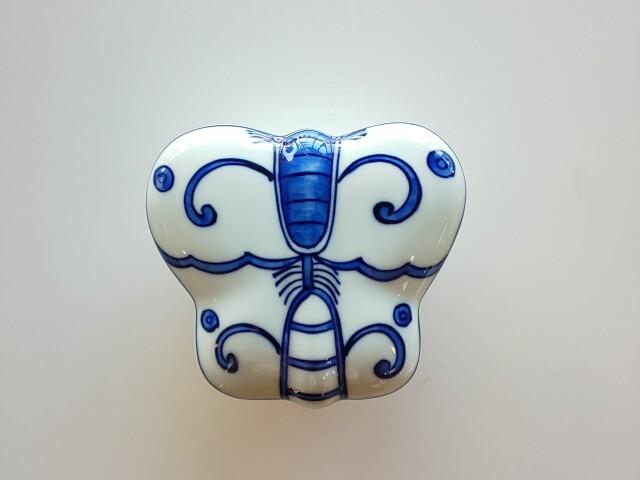 染付蝶型蓋物【在庫限りの限定価格】
