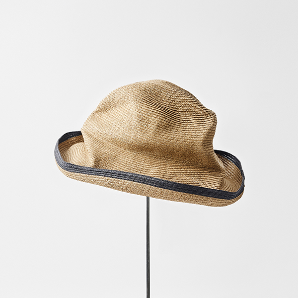 BOXED HAT 11cm brim switch color line edge