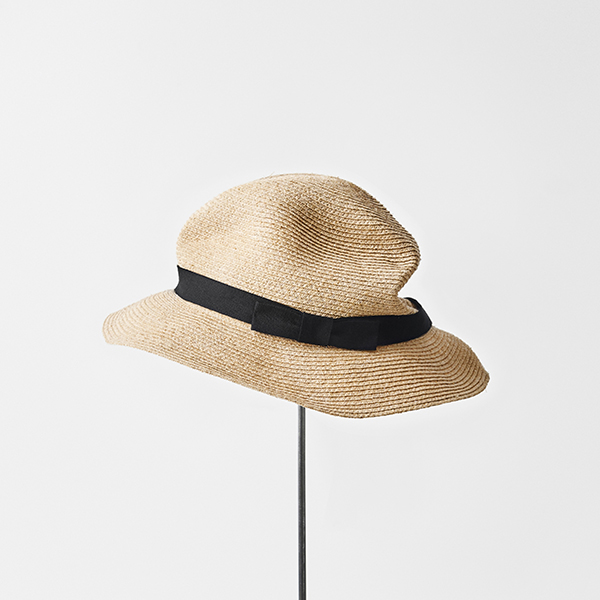 BOXED HAT raffia 6cm brim plain tape