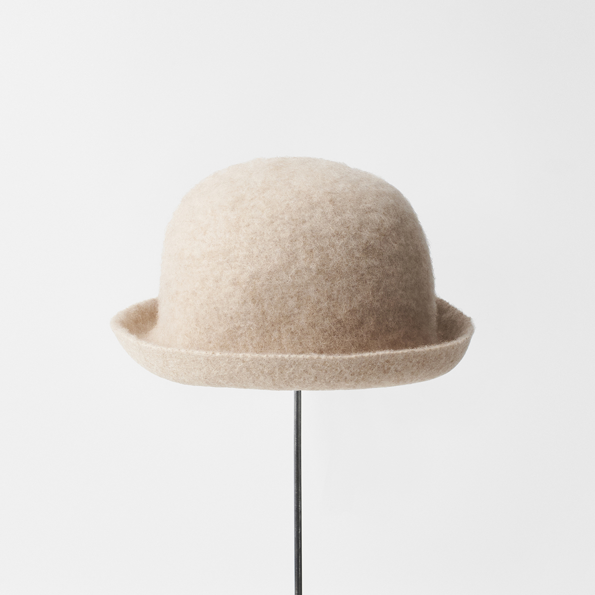 bell hat camel