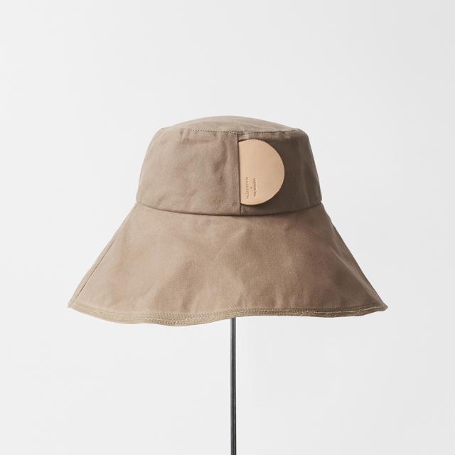 paraffin hat wide random stitch low wide