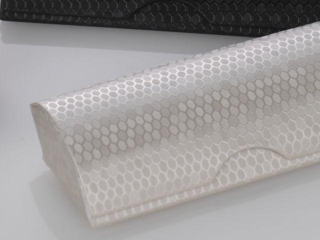奥深い光沢感のある合皮素材のメガネケース(眼鏡ケース) D-81 ハニカム