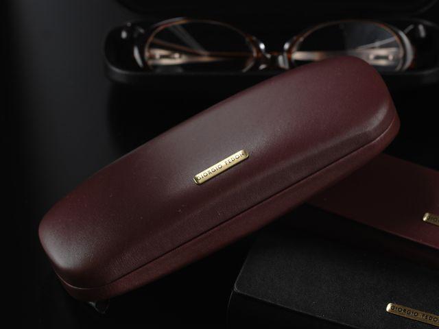 【イタリア】本革製の手触りよい高級メガネケース(眼鏡ケース) A-410 ウラーノ