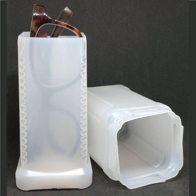 高さ調節可能で筆記用具や小物も入るメガネケース 「B-501スクリエア ロック式」