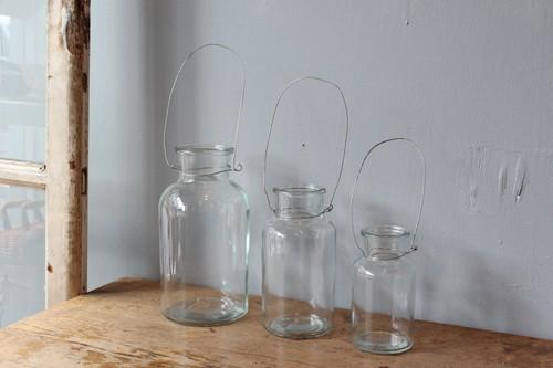 ガラスのワイヤーハンギングフラワーベース