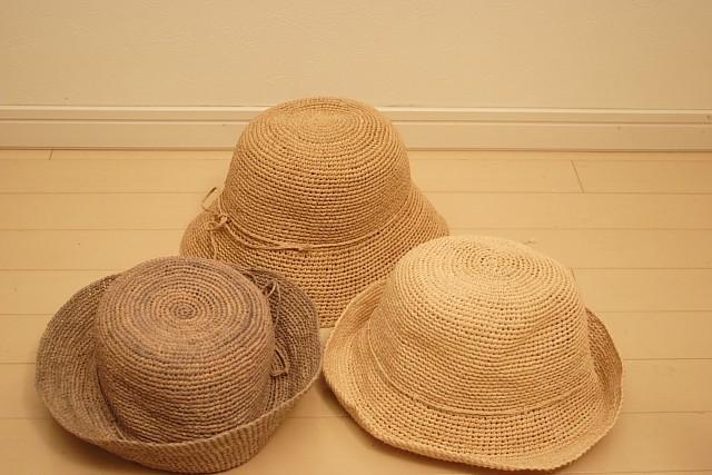 ラフィア細編み帽子
