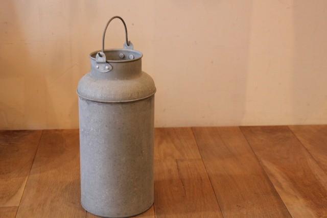 ブリキ ミルク缶