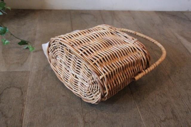 アラログ ふた付きオーバルミニバッグ