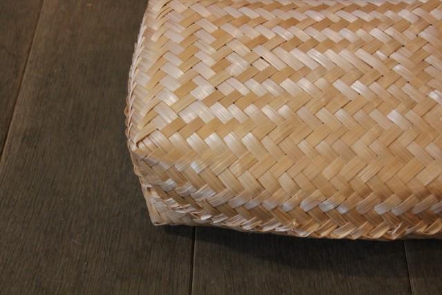 竹 蓋付きかご